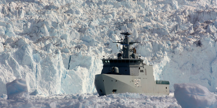 Inspection vessel Ejnar Mikkelsen on assignment. Photo: The Royal Danish Navy/Troels Sundwall